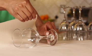 Mayflower Tips for Packing Dishes & Glasses